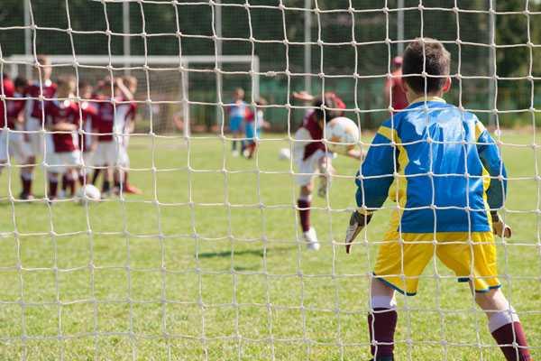 Астигматизм и футбол - можно ли заниматься спортом с нагрузками?